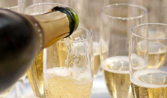 Raddoppiato in 10 anni l'export di vino italiano in Francia